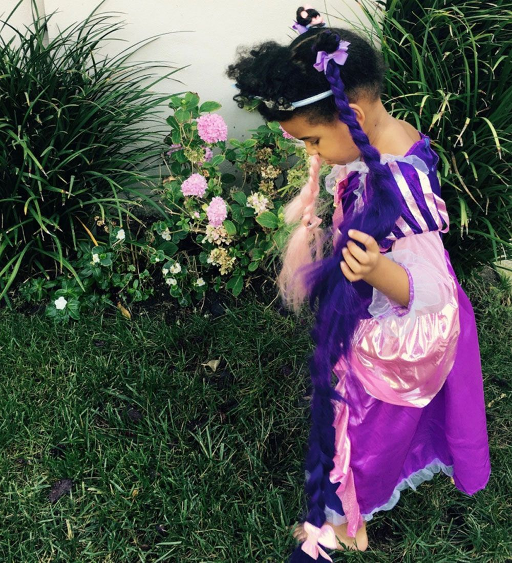 Blue ivy had 2 halloween costumes blue ivy rapunzel princess blue ivy had 2 halloween costumes blue ivy rapunzel princess halloween costume izmirmasajfo
