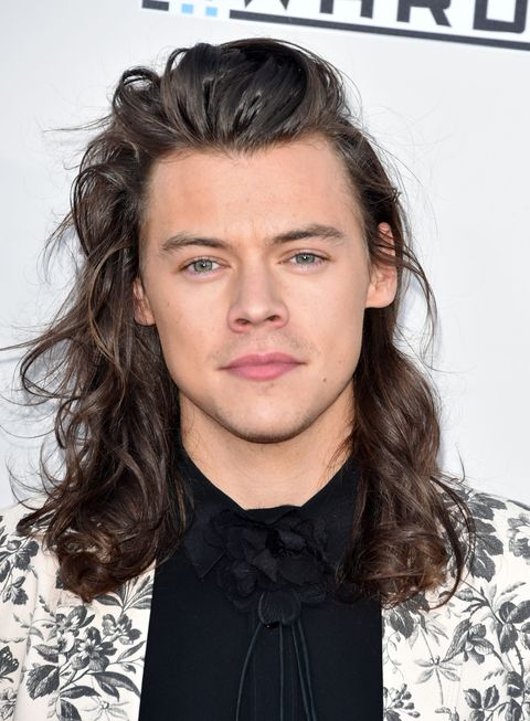 Hair, Face, Hairstyle, Eyebrow, Long hair, Chin, Beauty, Forehead, Lip, Brown hair,