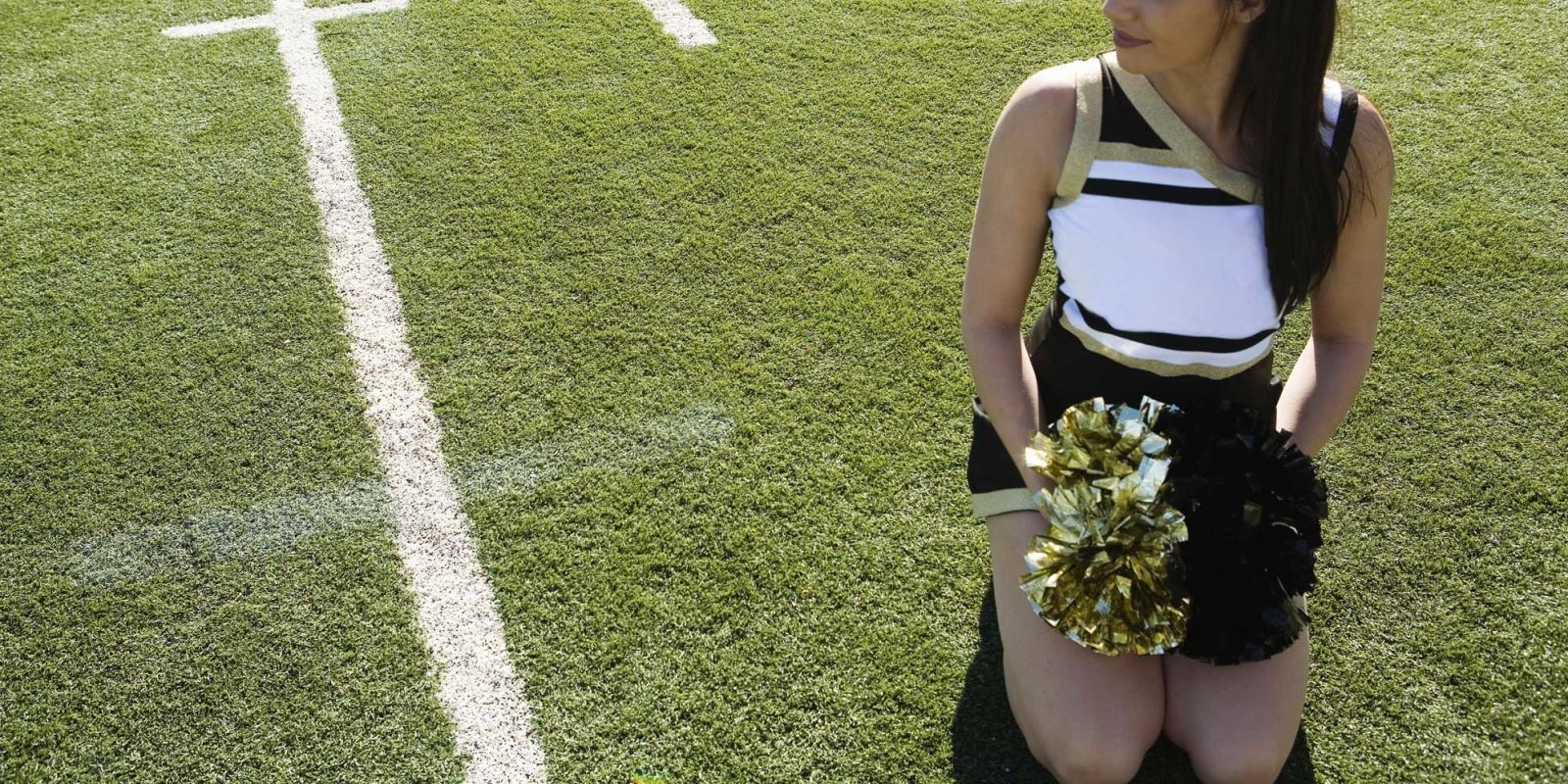 College cheerleaders shower