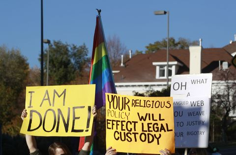 Over a Thousand Mormons Are Leaving the Church Because of Its New Homophobic Policies