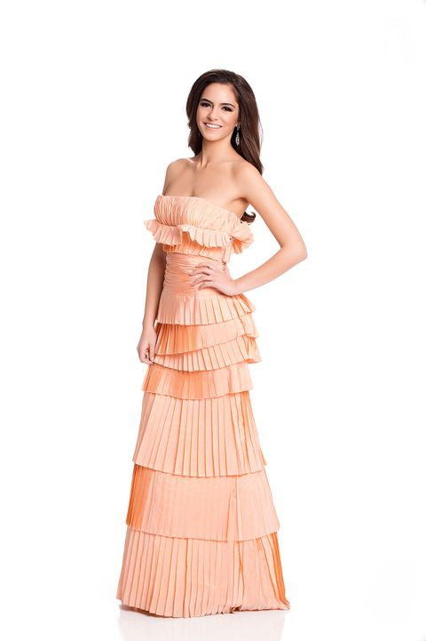 Clothing, Sleeve, Shoulder, Textile, Dress, Standing, One-piece garment, Formal wear, Waist, Style,