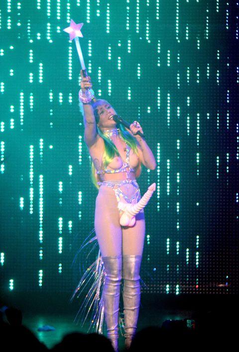 Dildo miley cyrus Miley Cyrus