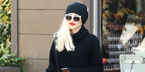Outerwear, Style, Hat, Costume accessory, Street fashion, Fashion, Cap, Knee, Goggles, Sunglasses,