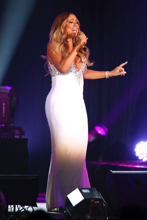Microphone, Entertainment, Dress, Audio equipment, Purple, Beauty, Performance, Singing, Singer, Music artist,