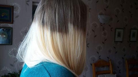 Hairstyle, Blond, Long hair, Bob cut, Sweater, Artificial hair integrations, Hair coloring, Silver, Hime cut, Layered hair,