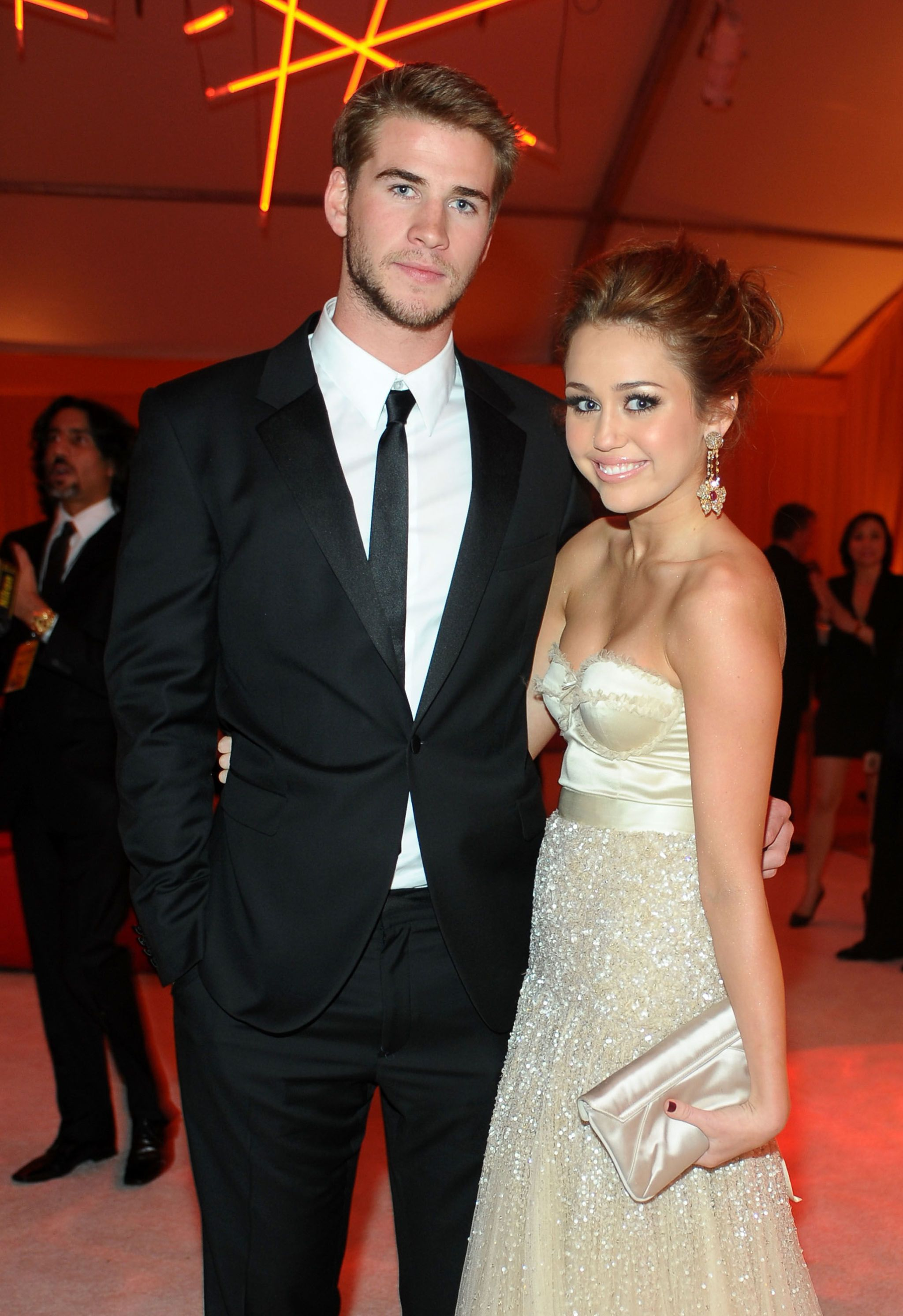 Liam hemsworth dating history