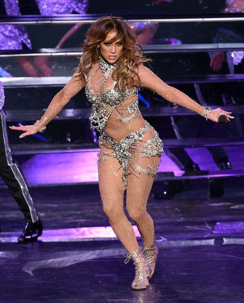 Leg, Mouth, Human leg, Event, Human body, Entertainment, Performing arts, Thigh, Abdomen, Dancer,