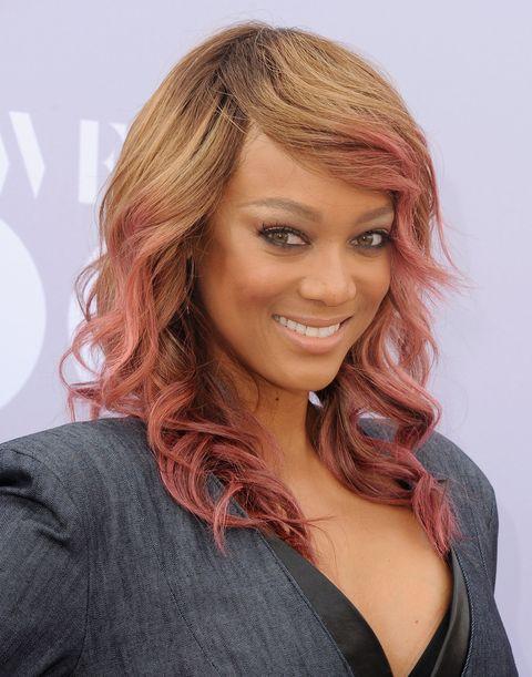 Hair, Lip, Hairstyle, Chin, Forehead, Eyebrow, Style, Eyelash, Beauty, Long hair,