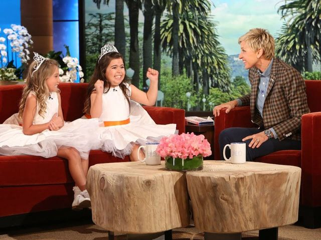 Fantastic Ellen Degeneres Became Internet Famous By Loving The Ocoug Best Dining Table And Chair Ideas Images Ocougorg