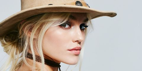 d2ee69872a5 5 Cute 5-Minute Hat Hairstyles - How to Style Hair for a Hat