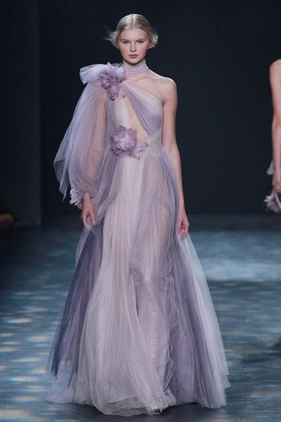 Hairstyle, Shoulder, Dress, Fashion show, Style, Gown, Formal wear, Fashion model, One-piece garment, Fashion,