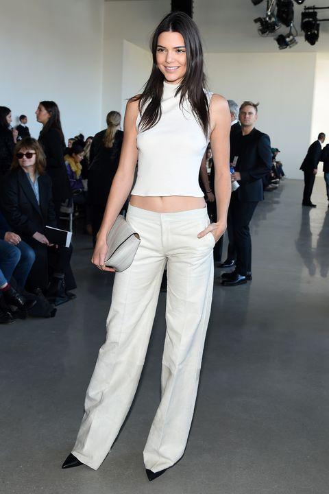 Leg, Human body, Trousers, Shoulder, Fashion show, Textile, Joint, Outerwear, Waist, Style,
