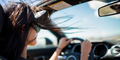 Motor vehicle, Automotive mirror, Automotive design, Mode of transport, Steering part, Glass, Steering wheel, Rear-view mirror, Windscreen wiper, Windshield,