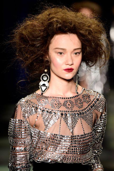 Lip, Hairstyle, Jewellery, Eyelash, Fashion model, Style, Beauty, Street fashion, Fashion, Neck,