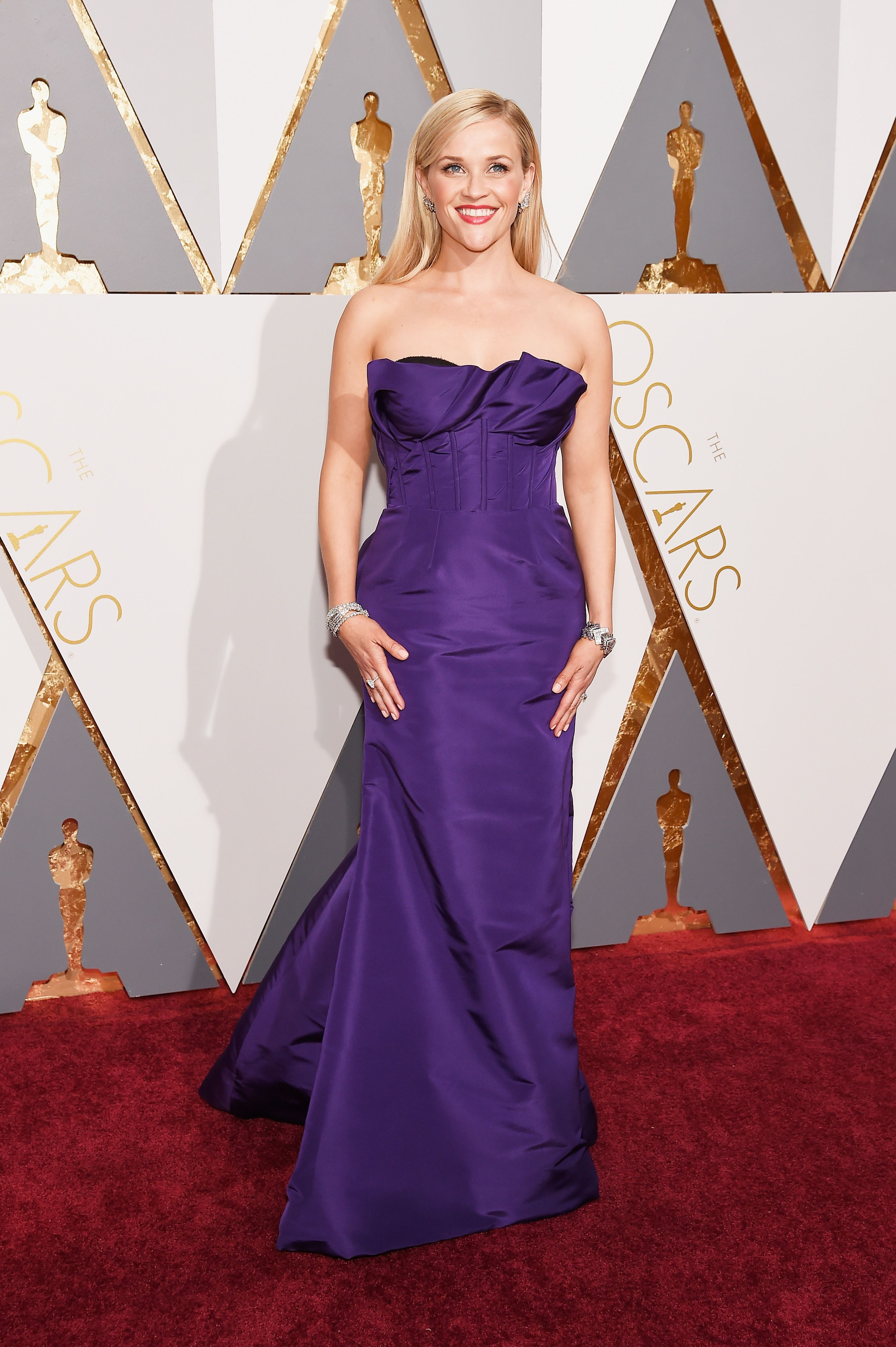 Reese Witherspoon in Purple Oscar de la Renta Dress at the 2016 Oscars