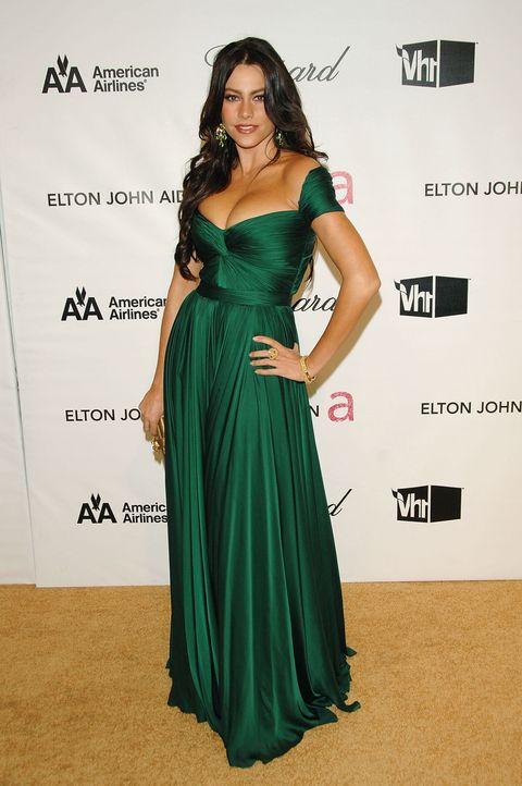 Sofia Vergara in Navy Blue Marchesa Dress at the 2016 Oscars