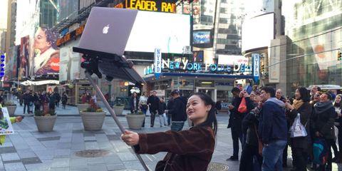 Display device, Laptop part, Urban area, Flat panel display, Crowd, Travel, Pedestrian, Metropolis, Snapshot, Electronic signage,
