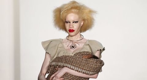 Lip, Hairstyle, Jewellery, Wig, Eyelash, Lipstick, Blond, Necklace, Fashion design, Day dress,