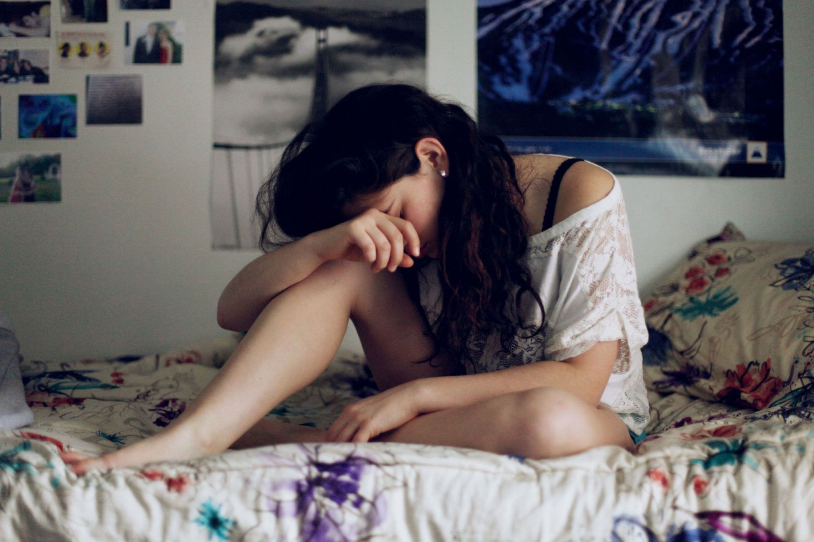 12 Struggles Only Girls With Depression Will Understand
