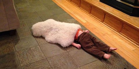 21 Hilarious Photos of Children Who are Terrible at Hide and Seek