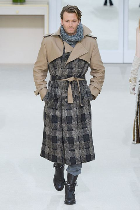 Clothing, Sleeve, Winter, Shoulder, Textile, Joint, Outerwear, Fashion model, Fashion show, Style,