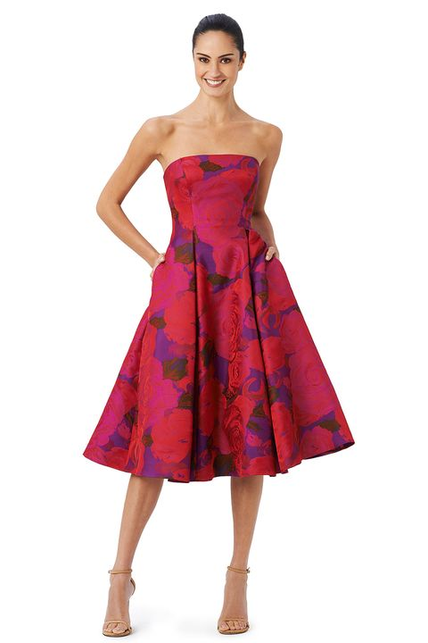 Clothing, Dress, Sleeve, Shoulder, Textile, Joint, Standing, One-piece garment, Red, Formal wear,