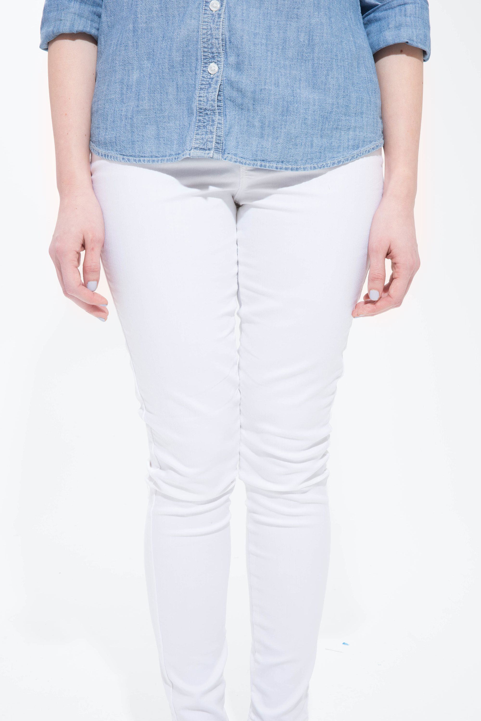Here's What Happened When 1 Woman Spilled All Over Old Navy's Stain-Resistant White Jeans