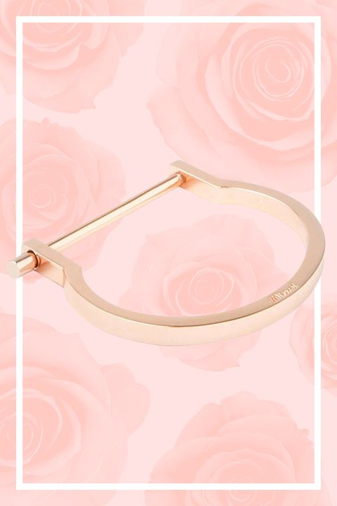 "<p>Rose gold jewelry plays nice solo, but it's better mixed in with silver and gold pieces — especially when it's an understated horseshoe-shaped cuff. </p><p><em><a href=""https://www.shopbop.com/modern-screw-cuff-miansai/vp/v=1/1538128932.htm"" target=""_blank"">Miansai Cuff</a>, $200</em></p>"