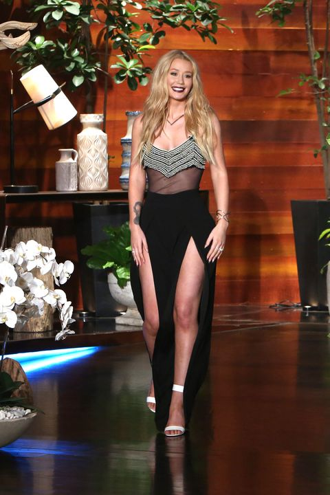 Lighting, Human leg, Waist, Style, Fashion model, Fashion show, Beauty, Fashion, Thigh, Model,
