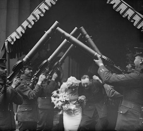 Monochrome, Monochrome photography, Crew, Black-and-white, Military person, Shotgun, Machine gun, Air gun, Army,