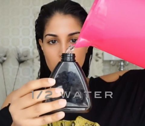 This Beauty Vlogger Uses Mouthwash to Get Rid of Dandruff