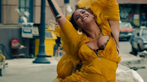 Yellow, Costume, Dance, Abdomen, Dancer,