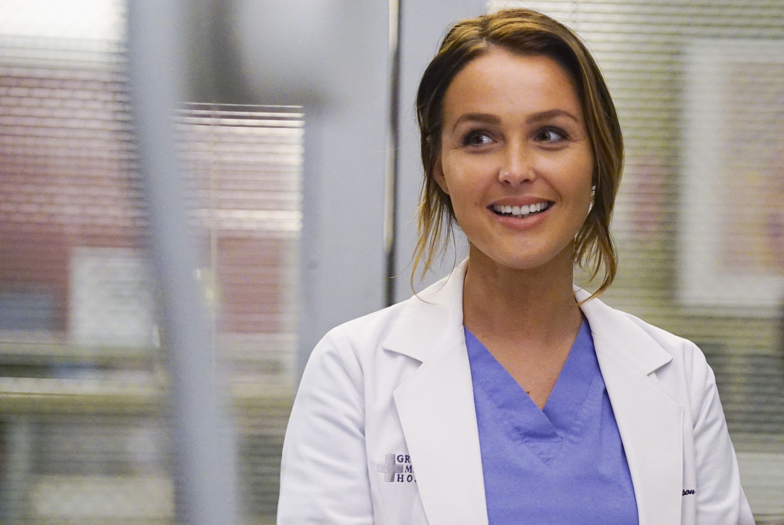 Camilla Luddington Grey S Anatomy Season 12 Interview