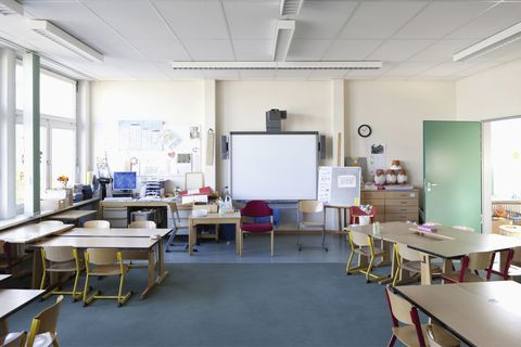 Room, Furniture, Table, Ceiling, Classroom, Class, Hall, Whiteboard, Education, Engineering,