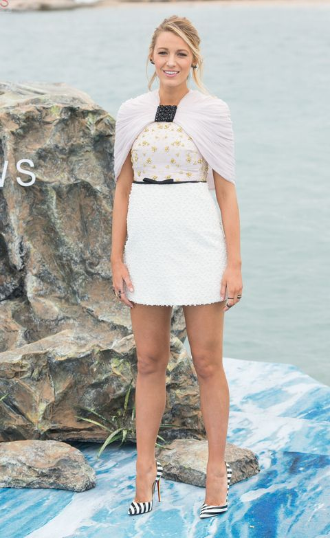 Skin, Sleeve, Shoulder, Human leg, Style, Summer, Fashion model, Dress, Beauty, Thigh,