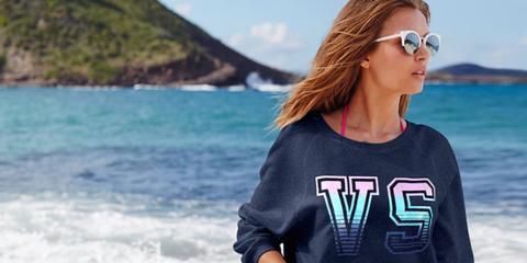 Sleeve, Coastal and oceanic landforms, Summer, Coast, Ocean, Azure, Vacation, Travel, Sea, Street fashion,