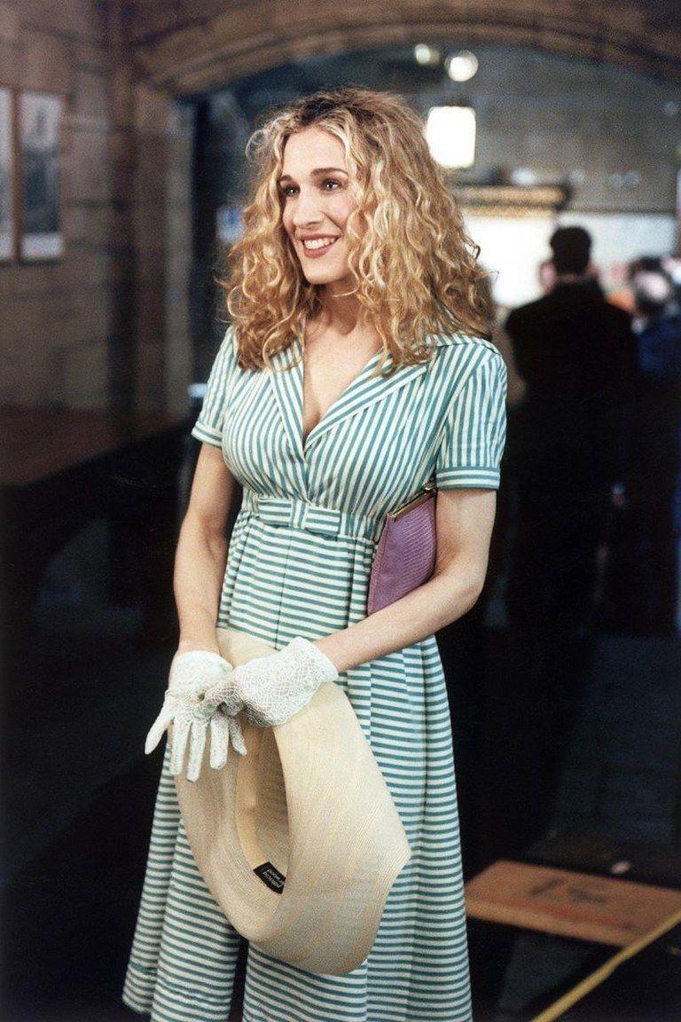 Carrie Bradshaw Fashion Moments - Best Carrie Bradshaw Fashion ...