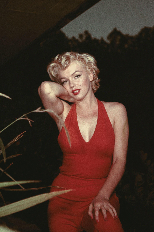 Cleavage Marilyn Monroe nude photos 2019
