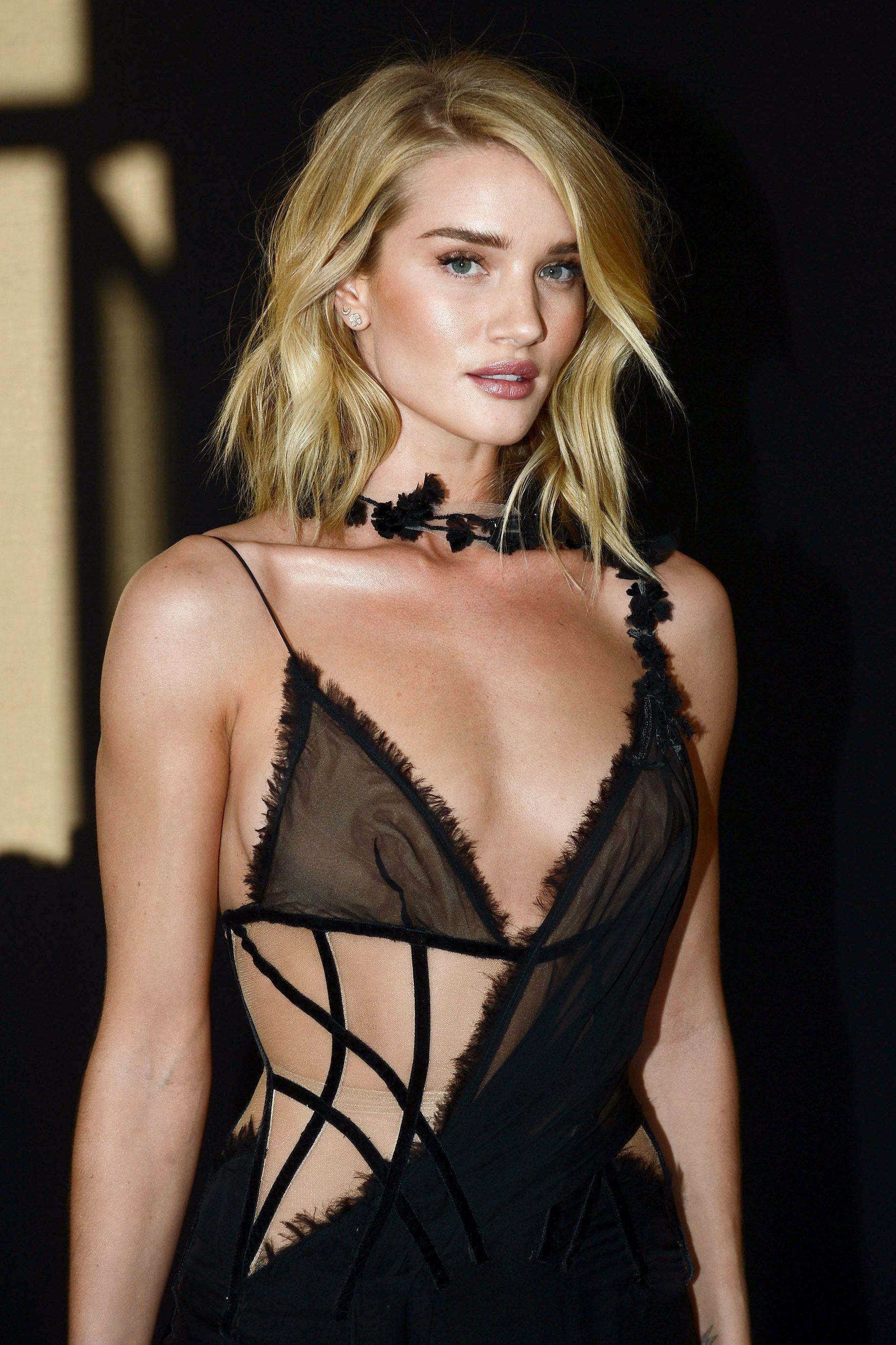 WINIFRED: Hollywood busty nipples