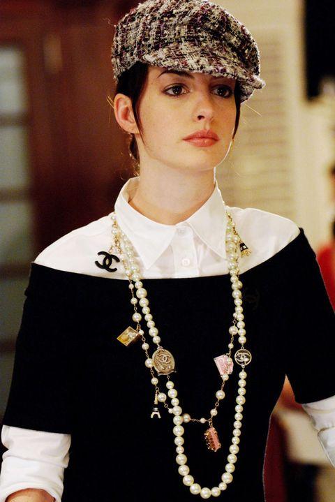 Eye, Fashion accessory, Style, Headgear, Fashion, Neck, Beauty, Jewellery, Street fashion, Body jewelry,