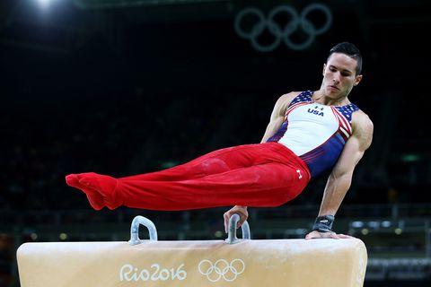 Sports uniform, Human leg, Sportswear, Knee, Competition event, Track and field athletics, Artistic gymnastics, Championship, Gymnastics, Athlete,