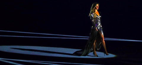 [UPDATE] Gisele Bündchen Responds to Controversy Surrounding Her Olympics' Opening Ceremony Walk