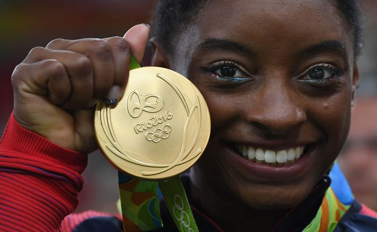 The Internet Is Obsessed With Simone Biles's Patriotic AF Makeup for the Olympics