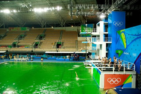 Here\'s Why the Olympic Pool in Rio Turned Green