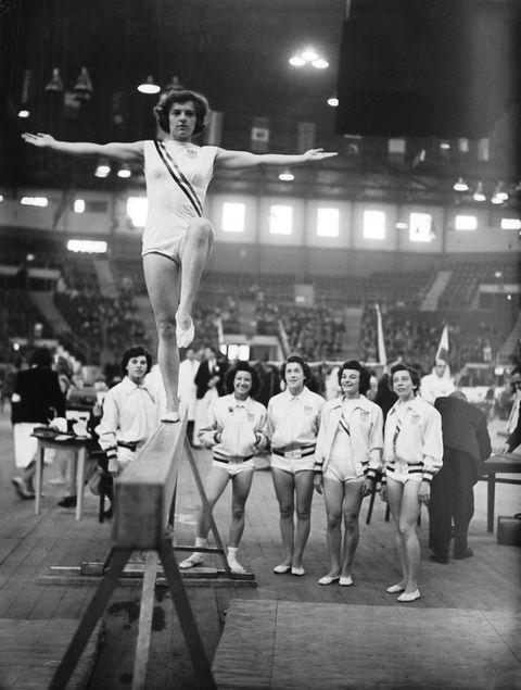 Leg, Human leg, Monochrome, Leotard, Artistic gymnastics, Thigh, Gymnastics, Championship, Snapshot, Calf,