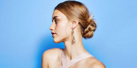 Ear, Earrings, Hairstyle, Skin, Chin, Shoulder, Eyebrow, Joint, Eyelash, Style,