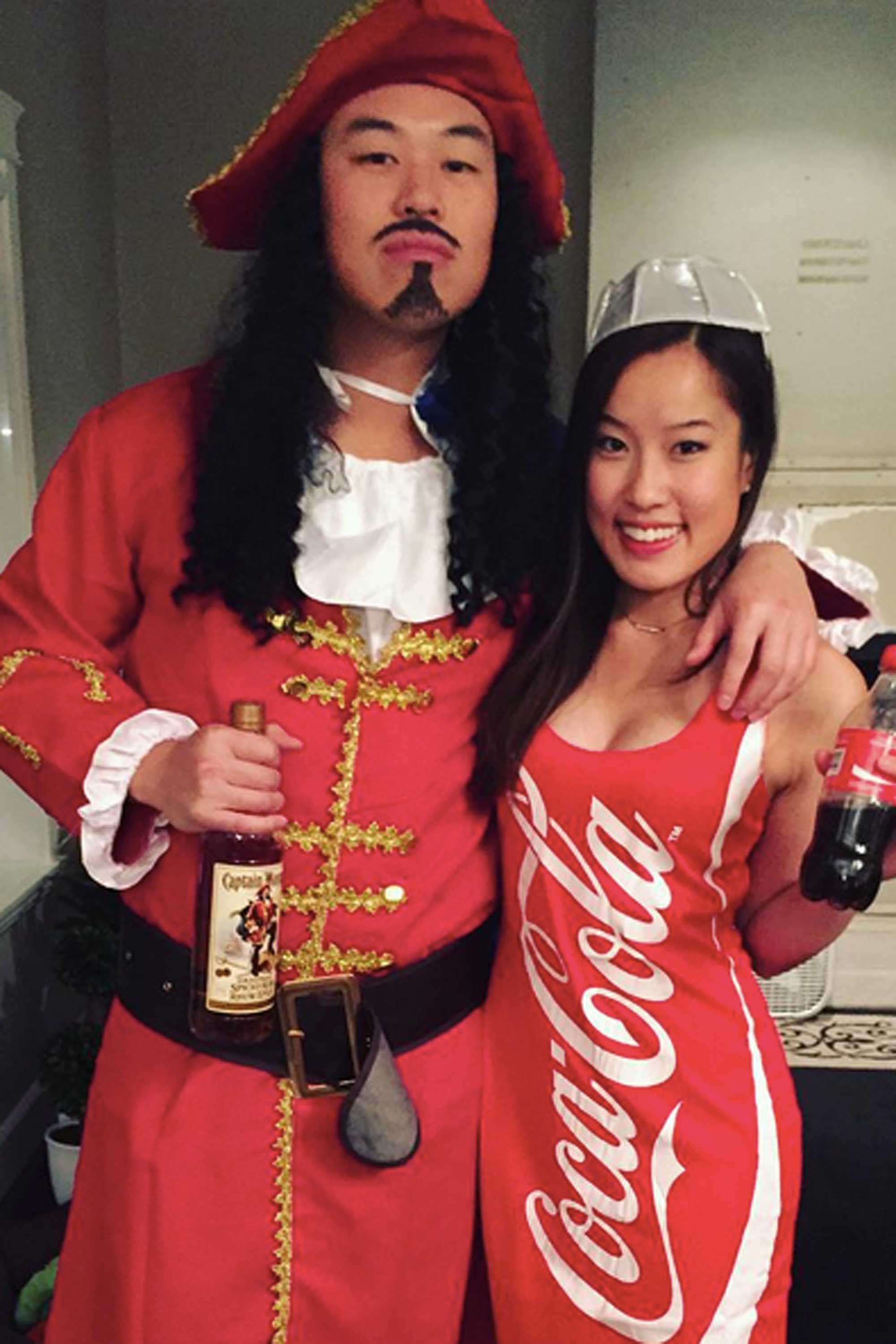 captain and coke costume  sc 1 st  Cosmopolitan & 45 Best Couples Halloween Costumes - Funny Halloween Costume Ideas ...