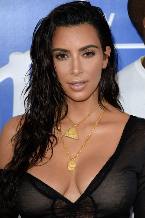 sexy style hair s sexiest makeup looks that will make you 6796 | 1472774449 kim k vma.jpg?crop=1