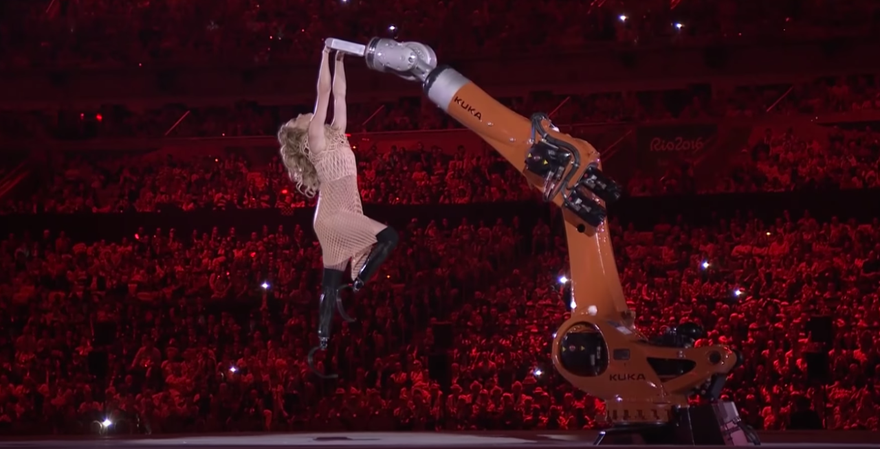 Watch Snowboarder Amy Purdy Dance With a Robot at the Paralympic Opening Ceremony