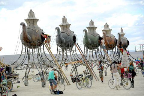 Wheel, Bicycle wheel rim, Bicycle tire, Bicycle wheel, Bicycle, Bicycle frame, Bicycle part, Bicycle handlebar, Bicycle fork, Cycling,